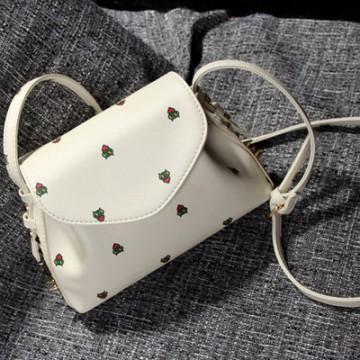 PBB8488 Japanese fashion print trendy rivet messenger bag