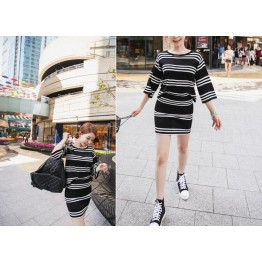 TE3040YZS Black and white stripes casual sport style tops with tight hip skirt