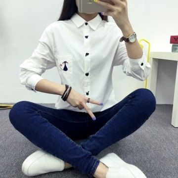 TE1650MLCS Embroidery cat print pocket simple shirt