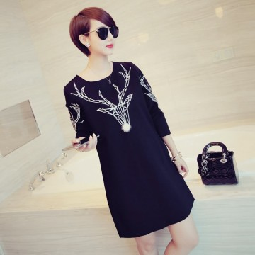 TE6833YYG Round neck pearls elk pattern pullover dress