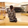 TE9926MLG Korean fashion slim blue and white porcelain pattern sweater