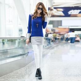 TE9853TT Contract color slim long T-shirt blue