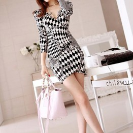 TE68098YWQS Black and white geometry print v-neck slim close fitting dress