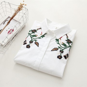 6898 # 2017 Fall new Korean version of loose long sleeves flowers embroidered students wild cotton shirt