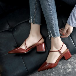 Sandals 2017 new female summer students with Baotou Korean version of the wild with the pointed shallow mouth girl high heels