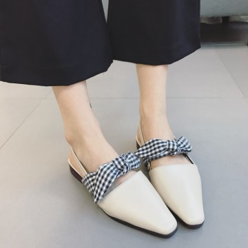 2017 new students Korean version of the flat flat with college wind sweet bow flat sandals