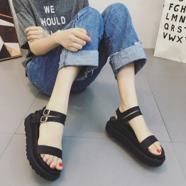 Retro thick bottom buckle black muffled sandals