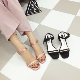 Coarse and sandals female 2017 summer new women's Korean version of the sweet pearl with square head wild buckle sandals