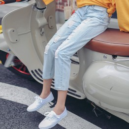 3293 # real shot 2017 new Korean version of the loose thin light paint point hole jeans