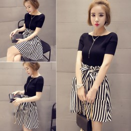 3931 Short Sleeve t-shirt with High Waist Striped Skirt