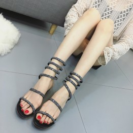 Diamond decoration snake-shape sandals