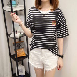 653 loose black and white striped t-shirt