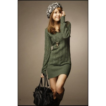 Quick sell through the Korean version of the new paragraph autumn and winter new paragraph twist braid V-neck long sweater twist woolen thick sweater