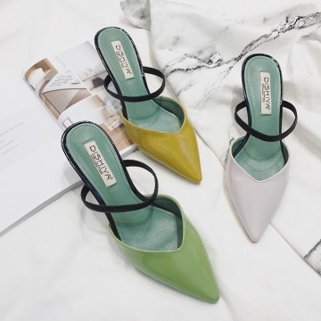 Out of the slippers female summer fashion wear personality lovely wild with the fine with the Korean tip pointed Baotou cooler shoes