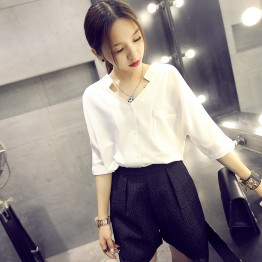 9105 White chiffon shirt loose V-neck bat sleeves new shirt