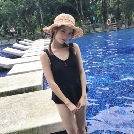 8829 # real shot new girls Siamese pants skirt swimsuit hot spring was thin small chest gather conservative student female
