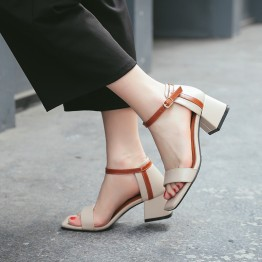 Sandals female summer 2017 new students wild simple toe rough with the word with the street high-heeled sandals in Rome