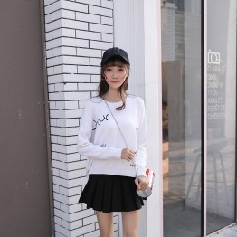 6101 embroidery loose round neck sweater