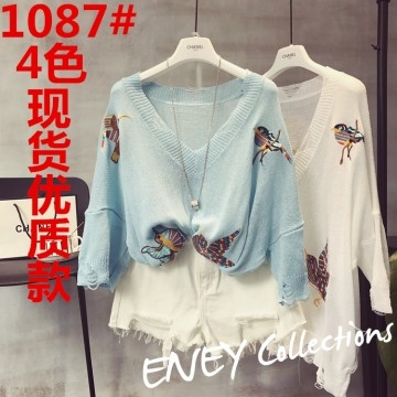 1087 large V-neck exquisite bird embroidery trendy holes round neck sweater