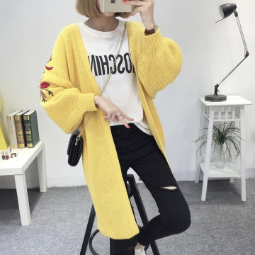 8088 # 2017 new women's sweater cardigan jacket embroidered lantern sleeves loose long sweater