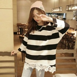 9827 stripes lace splicingr fashion T-shirt