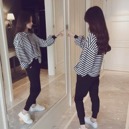 Spring and autumn Korean striped sports and leisure suit hooded student sweater two set