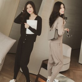 Autumn new Korean women knitted temperament two sets leisure sports suit