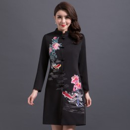 841 fashion mid-age loose embroidery coat