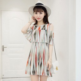 7065 contract color off shoulder chiffon pleated dress