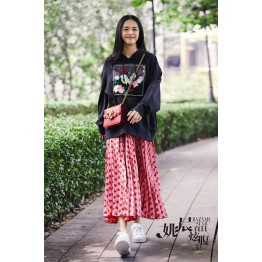 9075 black loose hooded sweater with red peach heart skirt