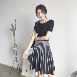 0150 Korea retro style round neck short sleeve vertical stripes pleated knit dress